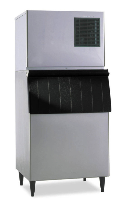 Commercial kitchen ice machine